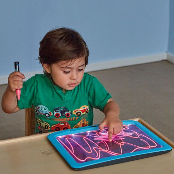 Illuminated Writing Boards and 6 Pens. Product Code: EY07941